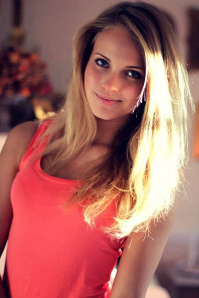 Say Hello To These Beautiful Girls With Gorgeous Faces (43 pics)