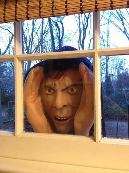 Next Level Halloween Pranks That Will Scare The Crap Out Of People (20 pics)