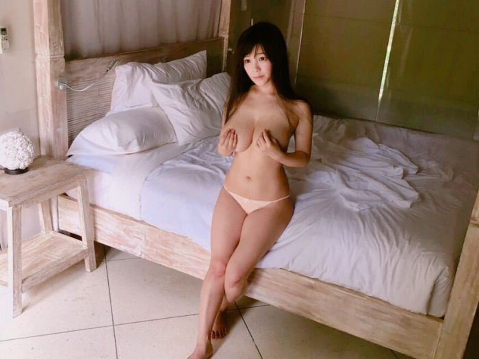 Busty Cosplayer Jun Amaki Is A Sight For Sore Eyes (30 pics)