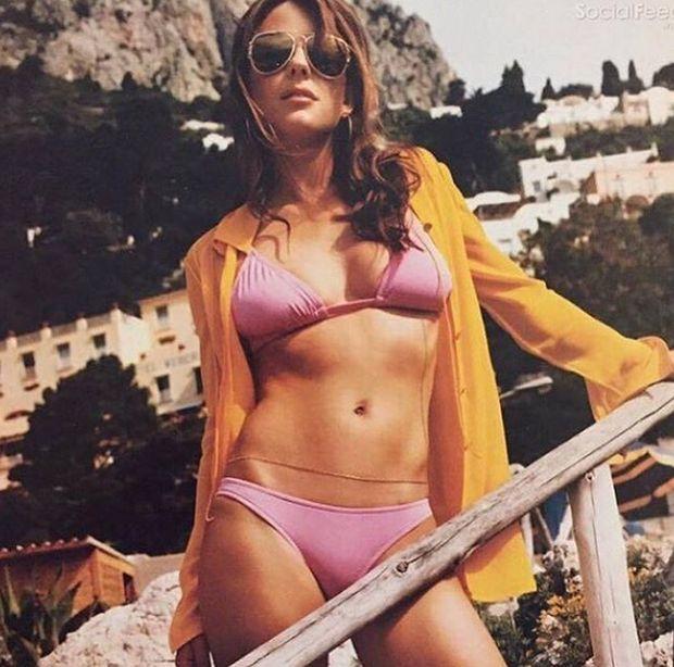 Elizabeth Hurley Still Looks Stunning At Age 51 (11 pics)