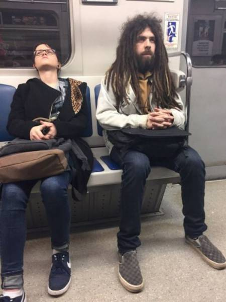 You Can See All Kinds Of Weird Stuff When You Ride The Subway (26 pics)
