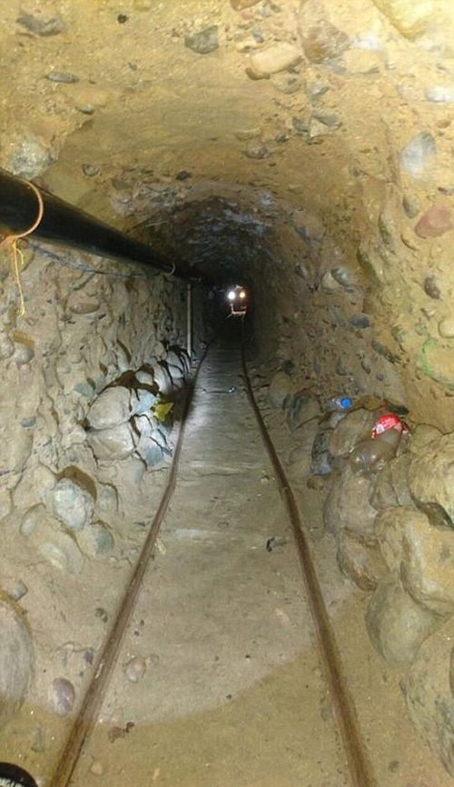 Mexican Police Find Massive Drug Tunnel Stretching From Tijuana To Mexico (5 pics)