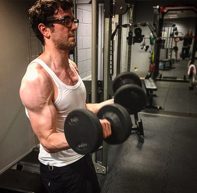 Banker Transforms His Body In Just 12 Weeks (8 pics)