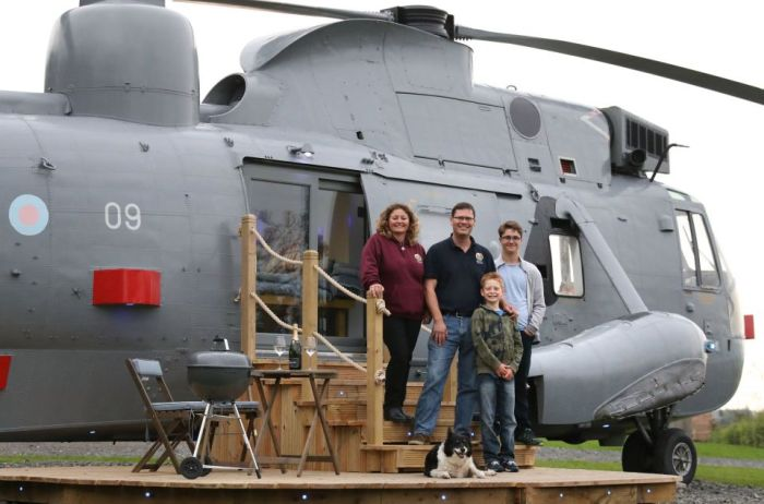 Couple Turns Old Helicopter Into Their New Holiday Home (7 pics)