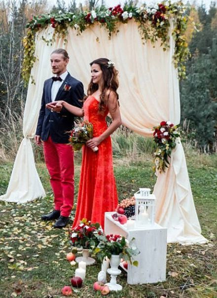 Just An Ordinary Wedding In Russia (11 pics)