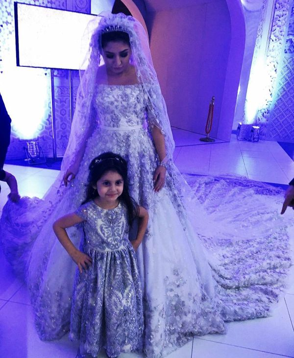 Russian Oil Tycoon's Daughter Gets Married In A £500,000 Bridal Gown (10 pics)