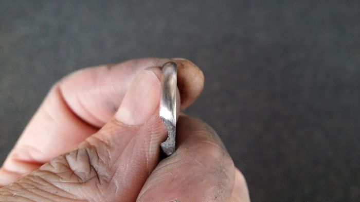 How To Carve An Engagement Ring From A Meteorite (18 pics)