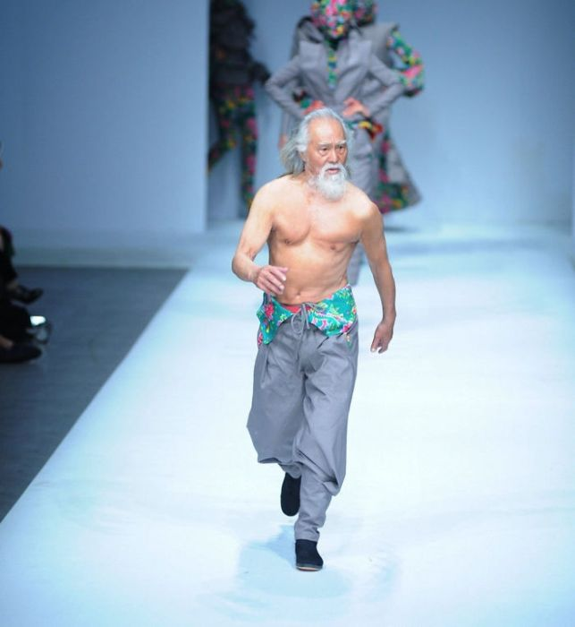 Elderly Grandpa Nails His Runway Debut At 80 Years Old (6 pics)