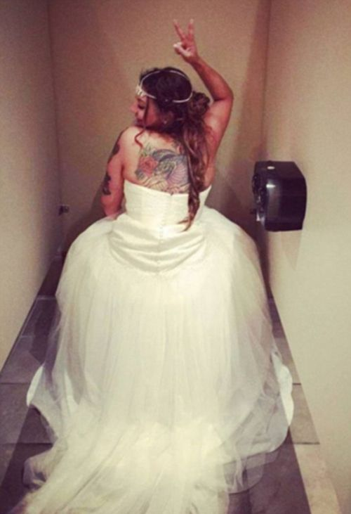Embarrassing Wedding Photos That Won't Make The Wedding Album (12 pics)