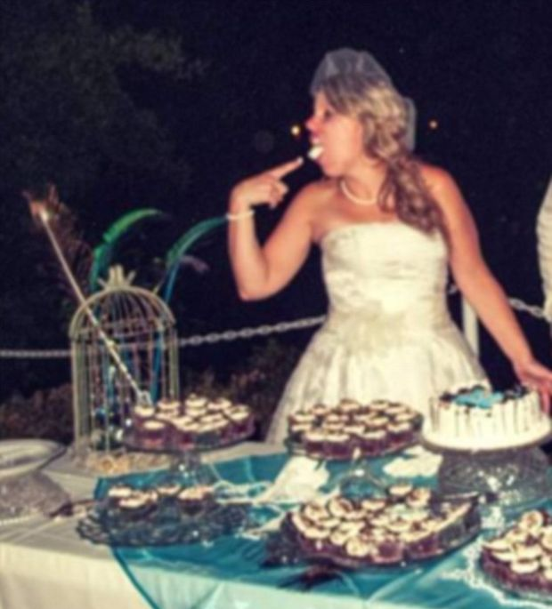 Embarrassing Wedding Photos That Won't Make The Wedding Album (12 pics)