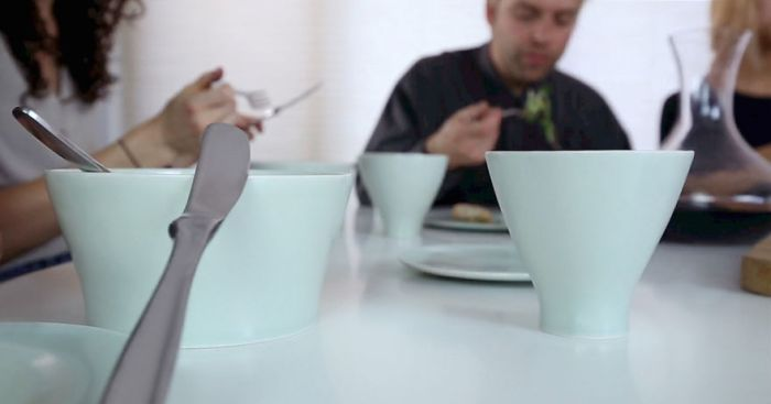 After Turning Bones Into Dinnerware, This Person Runs An Unusual Business (8 pics)