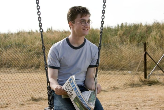 This Harry Potter Picture Contains Something Slightly Vulgar (2 pics)