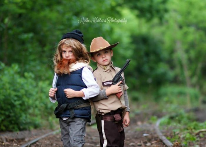 Controversial Walking Dead Photo Shoot Gets People Talking (14 pics)