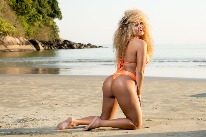 Erika Canela Is The New Miss Bumbum (11 pics)