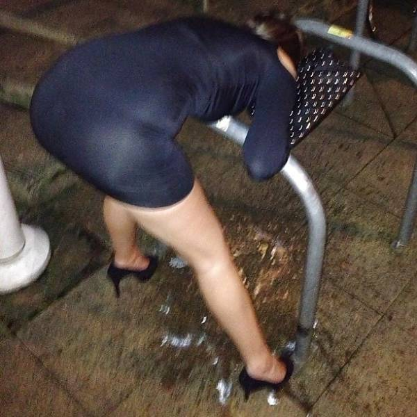 General Behavior And Debauchery You Can See In Almost Any Nightclub (42 pics)