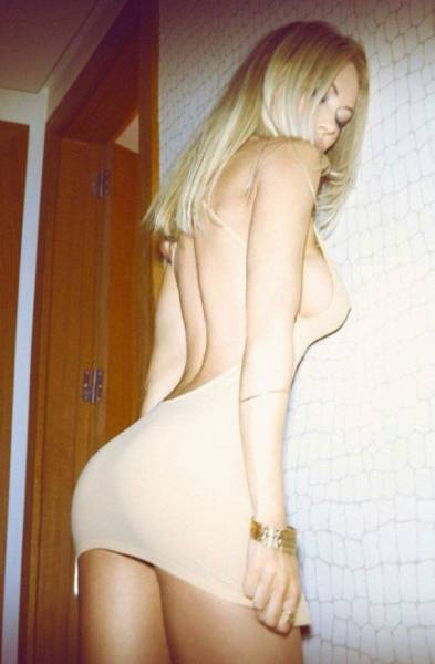 A Tight Dress Is Always A Perfect Fit For A Sexy Woman (54 pics)