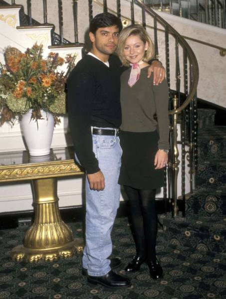 Celebrity Couples From The 90s Who Are Still Together (22 pics)