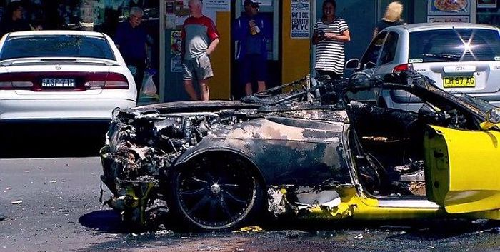 Yellow Ferrari Goes Up In Flames At Sydney ATM (9 pics)