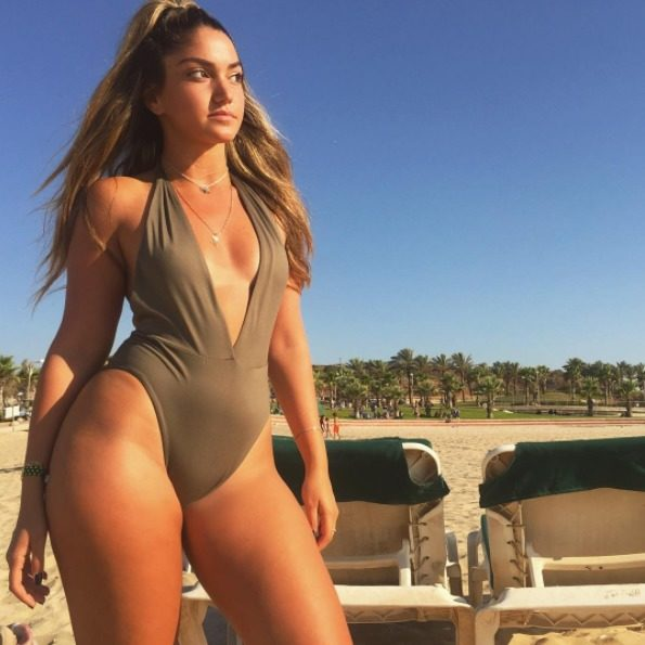 This Stunning Lawyer Is Guilty Of Posting Hot Pictures On Instagram (17 pics)