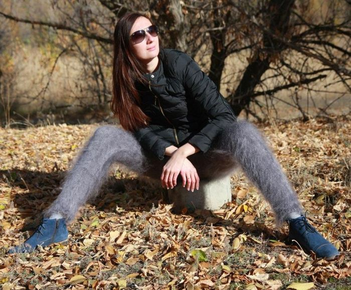 Russian Leggings Are The Weirdest Thing You'll See Today (11 pics)
