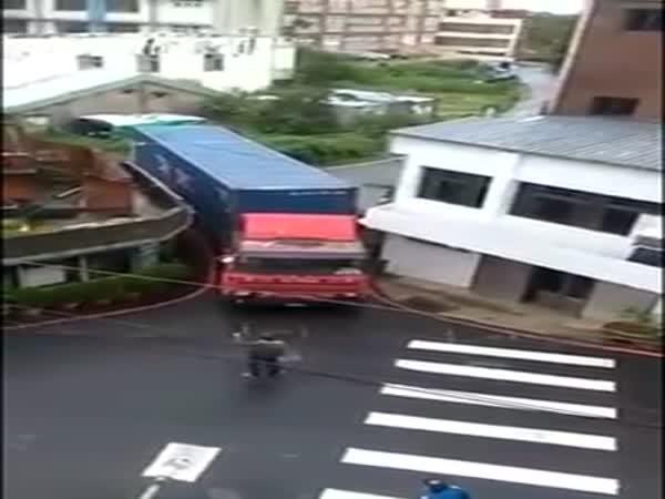 Chinese Trucker Skill