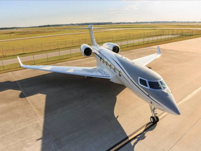 The G500 Private Jet Is Taking Jets Into The Next Generation (20 pics)