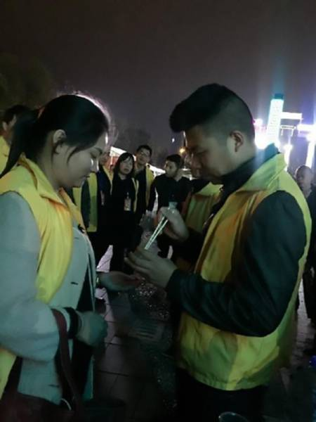 Chinese Company Forces Their Employees To Eat Worms (4 pics)