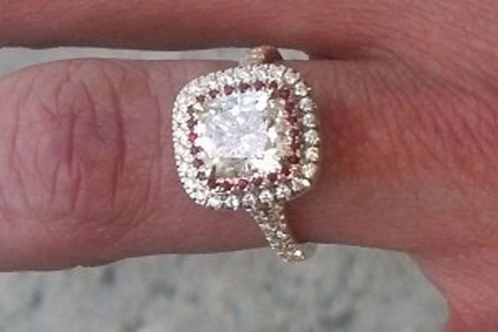 Woman Won't Return Her $30K Engagement Ring After Dumping Her Man (3 pics)