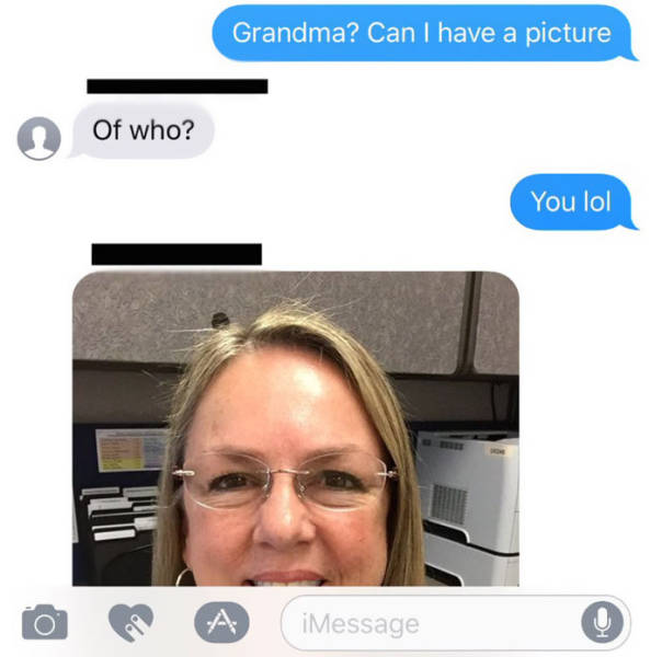 Guy Gets A Thanksgiving Text From The Wrong Grandma (6 pics)