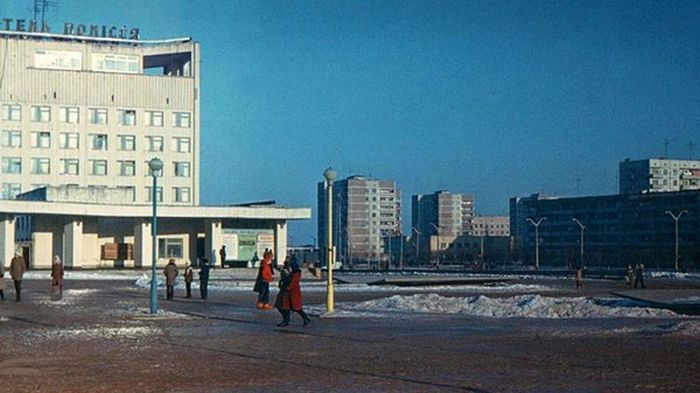 The Ghost Town Of Pripyat 30 Years Later (14 pics)