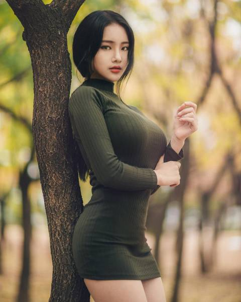 Skin Tight Dresses Are One Of The Greatest Inventions Ever (52 pics)