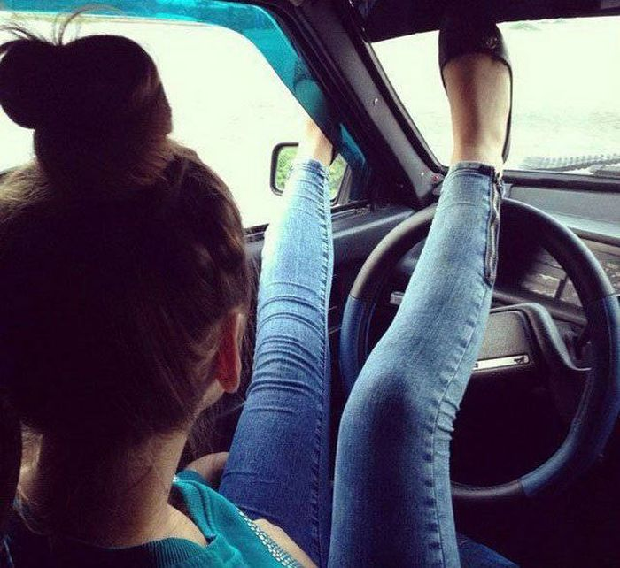 Photos That Prove Women And Cars Don't Mix Well (55 pics)