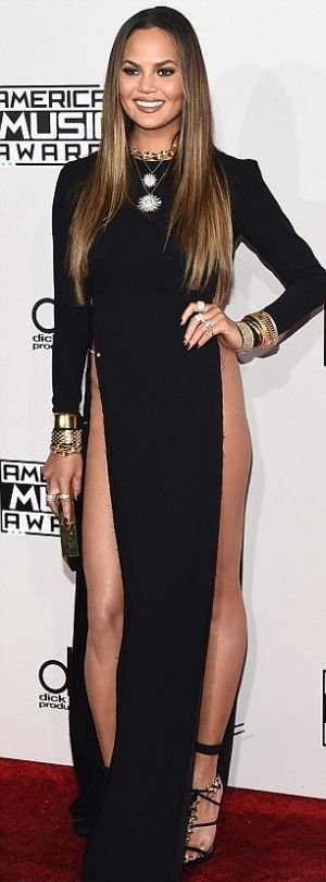Chrissy Teigen Shows Off Some Serious Skin At The AMAs (4 pics)