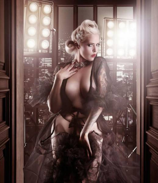 Photographer Turns Oridnary Women Into Supermodels (11 pics)