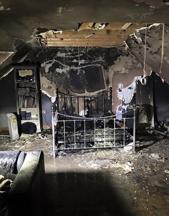Exploding Phone Destroys Girl's Bedroom (3 pics)