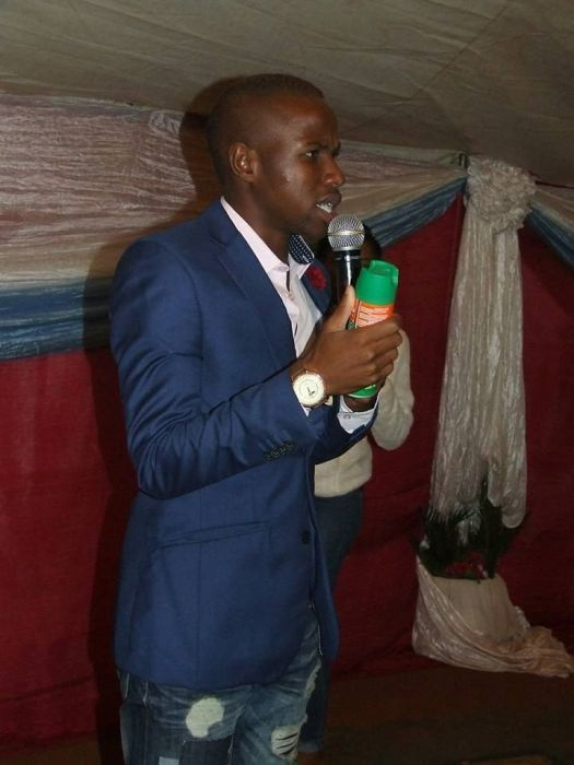 A South African Pastor Is Spraying People With Pesticide (9 pics)