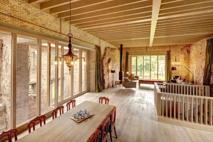 There's A Modern House Inside This Old Castle (16 pics)