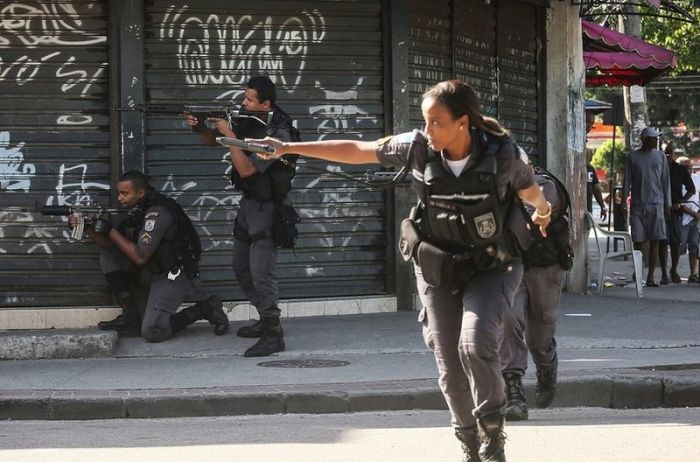 Just A Typical Day In The Favelas In Rio De Janeiro (7 pics)