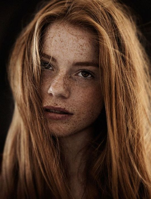 Freckled Girls With Red Hair Have A Unique Beauty (30 pics)