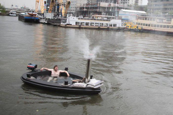 The Most Fun And Unusual Boats To Ever Hit The Water (47 pics)