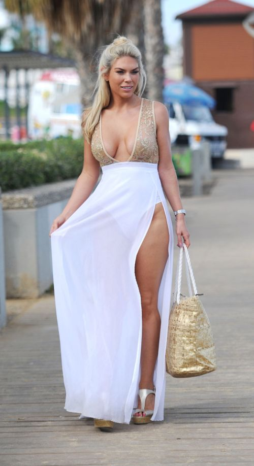 Frankie Essex Shows Off Her Weight Loss In A Sexy Dress (7 pics)