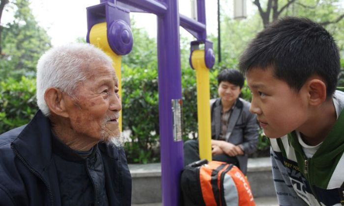 At 101 Years Old This Man Still Heads To The Park Everyday (12 pics)