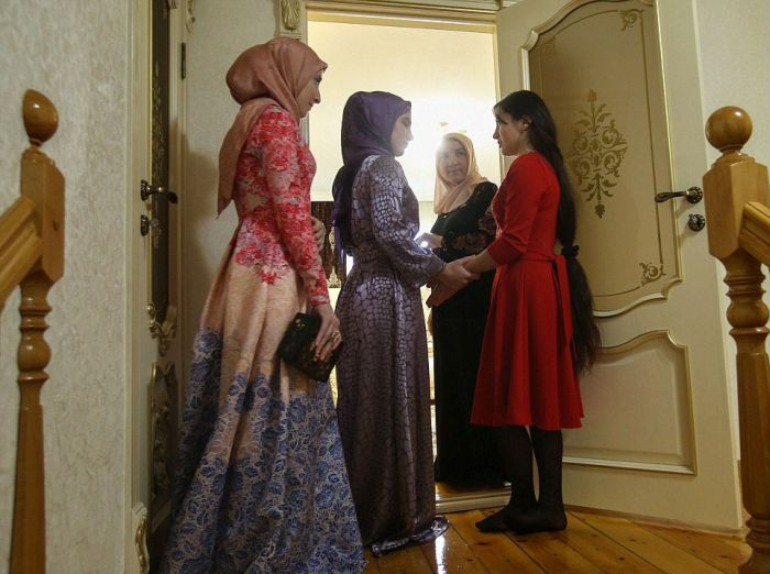 An Inside Look At A Chechen Wedding (33 pics)