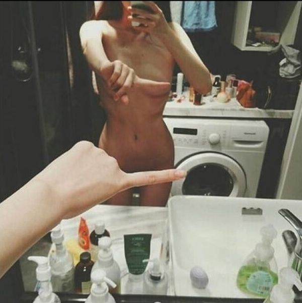 The One Finger Selfie Challenge Is Sweeping The Internet (6 pics)