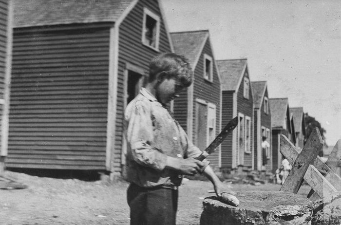 Before Child Labor Laws Kids Worked For A Dollar A Day (23 pics)