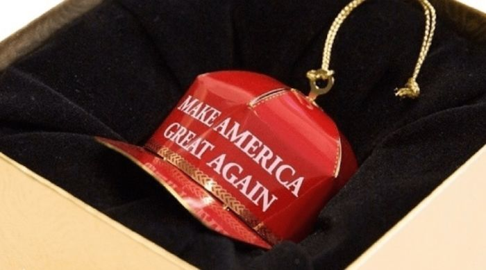 This Donald Trump Inspired Christmas Ornament Is Getting Hilarious Reviews (22 pics)