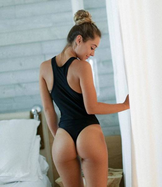 A Collection Of Sexy Photos For People Who Love Beautiful Butts (52 pics)