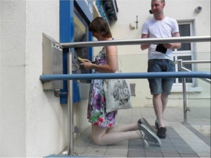 Being Tall Really Isn't All It's Cracked Up To Be (14 pics)
