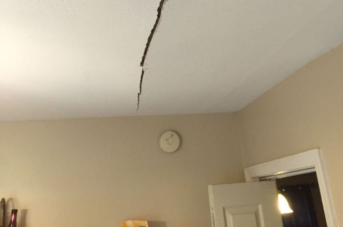 Owner Has Perfect Fix After Tenant Demands The Ceiling Be Repaired (2 pics)