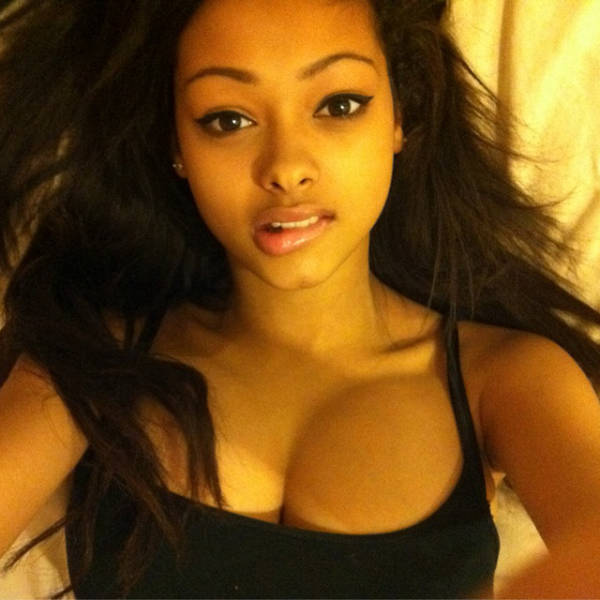 These Drop Dead Gorgeous Babes Are Real Eye Candy (43 pics)